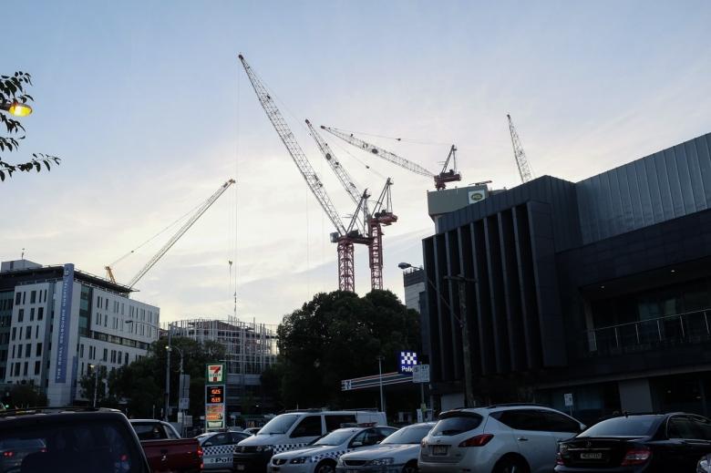 cranes-building-hospital